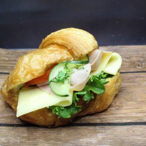 Belegtes Croissant Schinken Käse